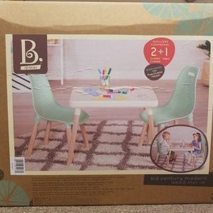 B. Spaces table and chair set kids NEW